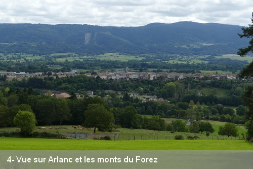 4- Vue sur Arlanc et les monts du Forezv2